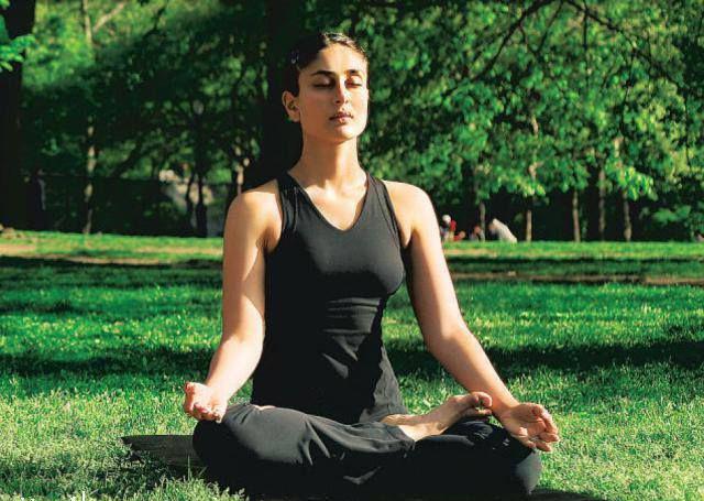 Kareena Kapoor – Yoga Pose