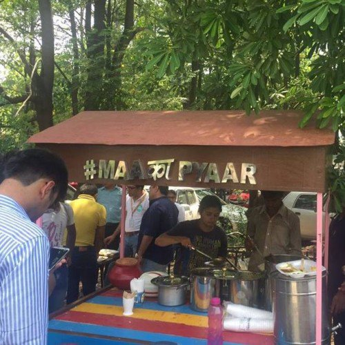 Read..Why An MBA Girl Turned Into A Street Food Seller